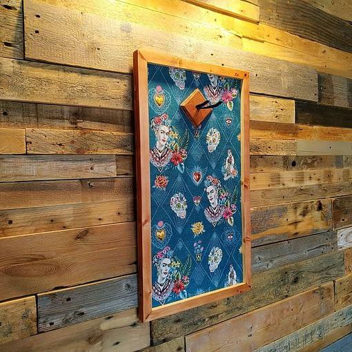 Ukulele display wall hanger Frida Kahlo by Guisplay guitar cabinet case showcase